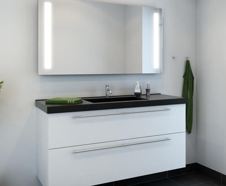Nettolines nye badeværelse i hvid